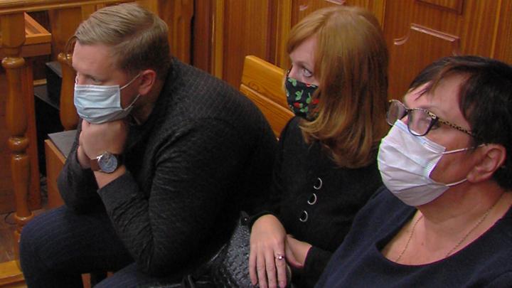 Челябинский облсуд поставил точку в деле врачей о смерти девочки из-за сломанного аппарата ИВЛ