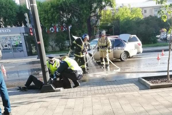 Пострадали три машины, пришлось даже вызвать пожарных