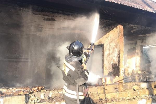 Пожар произошел в частном доме на улице Даурской