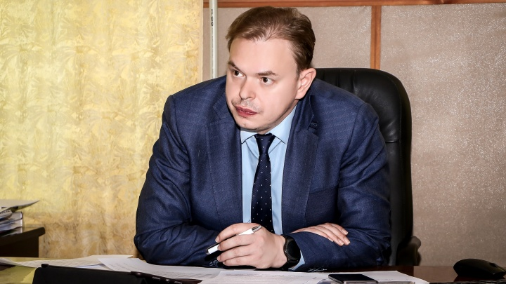 Сергей Злобин проводит областное родительское собрание: следим онлайн