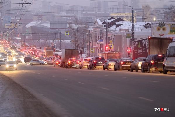 Эпопея с транспортными схемами Челябинска становится такой же затяжной, как пробка на Свердловском проспекте