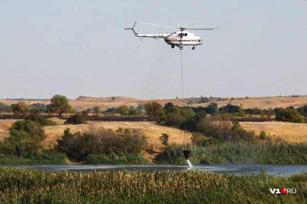Накануне вертолет прилетел из Ростовской области