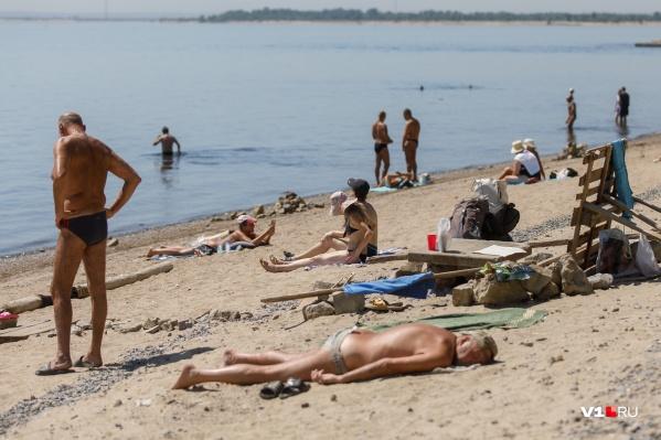 Волгоградцев просят поберечься и на городских пляжах