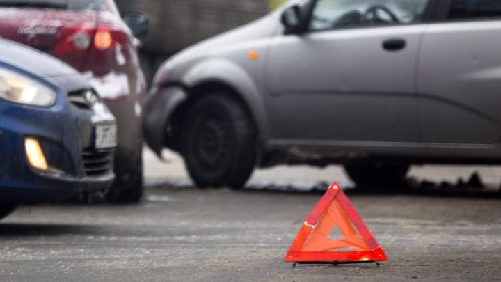 Сбили и переехали грузовиком: мужчина погиб в ДТП в Переславском районе