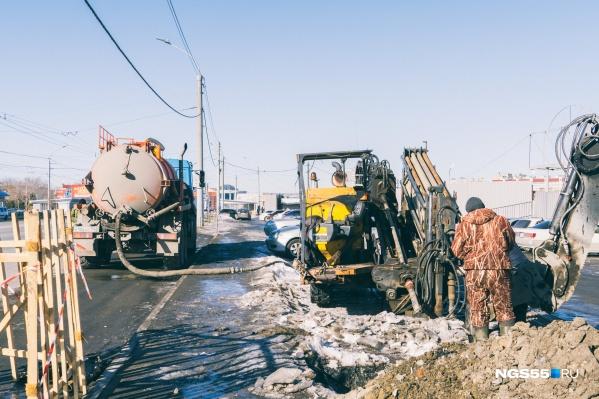 Аварийным бригадам из-за холода приходится работать в экстремальных условиях