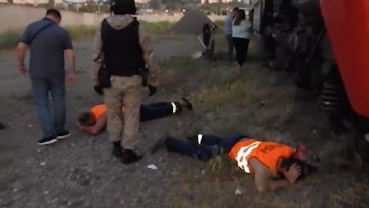 Сливали тоннами: в Волгограде задержали банду, «обчищавшую» тепловозы с дизельным топливом