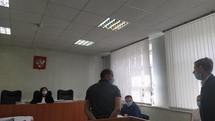 Последнее слово кассира Луизы. Онлайн-репортаж с процесса, где судят укравшую из банка 25 млн рублей