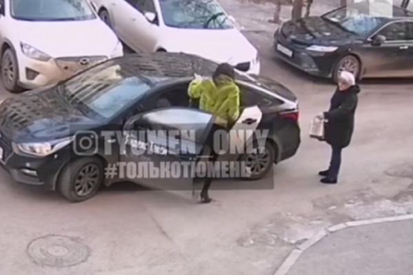 В полиции тюменка призналась, что причиной ее необоснованной агрессии стал алкоголь