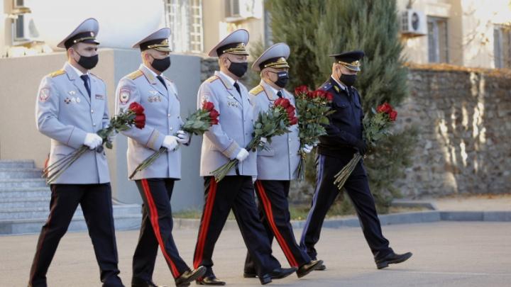 В Волгограде в День полиции почтили память погибших сотрудников