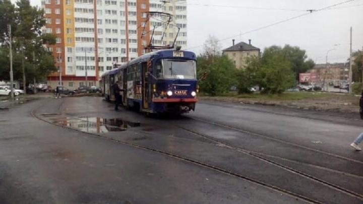 К кольцу на Фрезеровщиков, которое было закрыто три месяца, пустили трамваи
