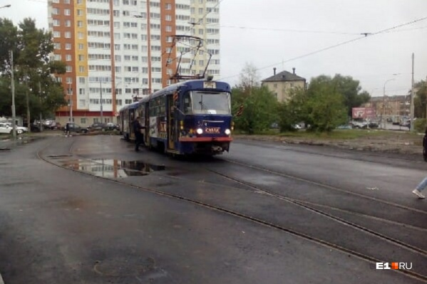 Теперь 2-й и 25-й трамваи снова будут доходить до своей конечной станции «Фрезеровщиков»