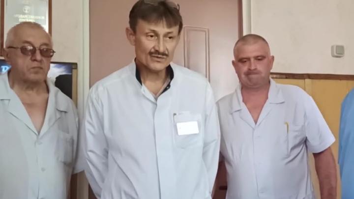 «Зарплаты упали вдвое»: коллектив больницы на Дону пригрозил главврачу массовым увольнением