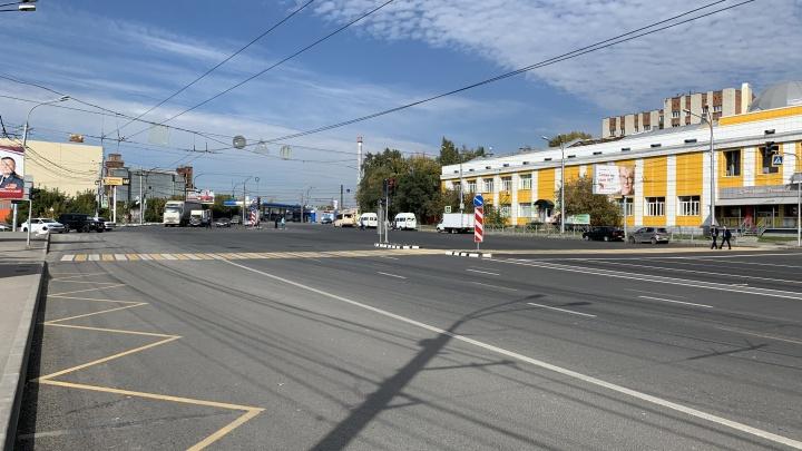 Красота, раздолбанные колодцы и уродские заборы. Смотрим, как починили улицу Владимировскую за 160 млн