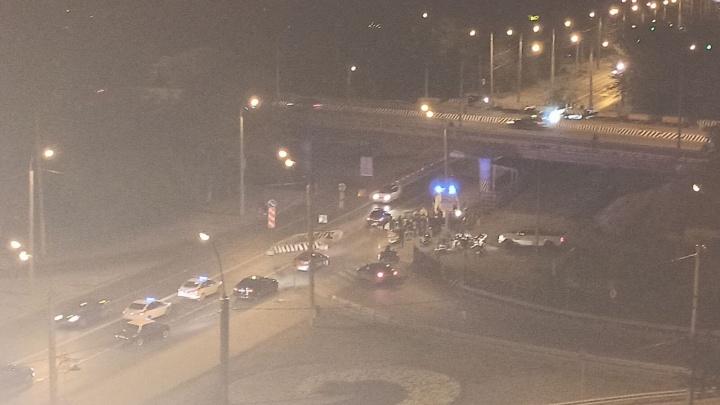 В центре Тюмени разбился мотоциклист