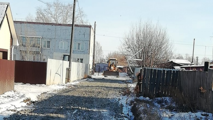 Депутат сообщил, что сторож из Новоомского отказалась от должности главы поселения