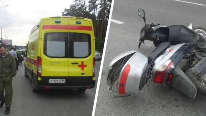 «Водитель впал в кому»: на Широкой Речке пожилой мопедист попал в ДТП и серьезно пострадал