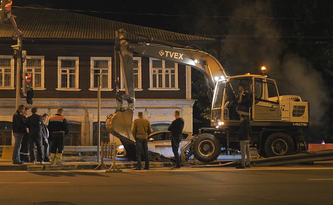 «Будут дикие пробки»: в Ярославле на два дня перекрыли полосу на крупном проспекте