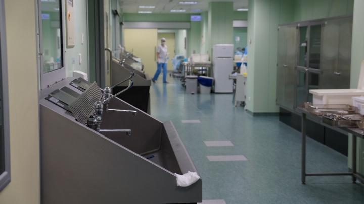 В нефтегорской больнице пациентка разбилась в шахте лифта