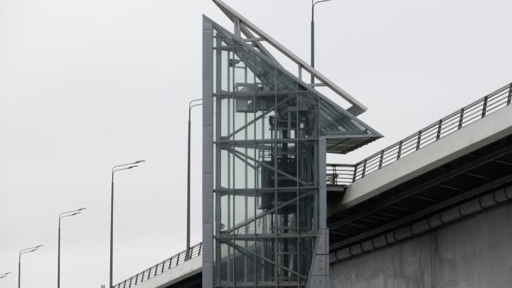 В администрации Ростова ответили, когда заработают лифты на Ворошиловском мосту