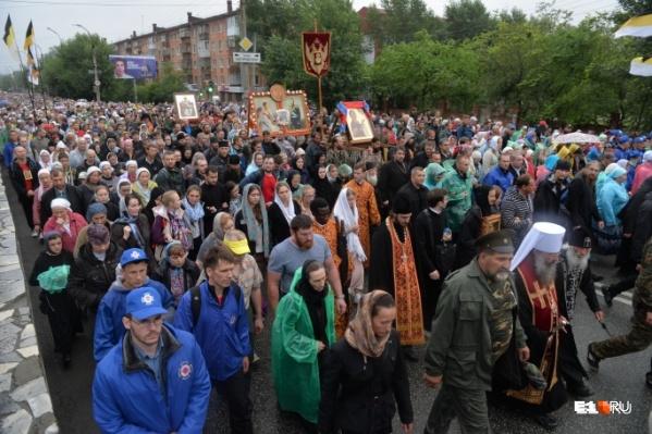 Фестиваль ежегодно собирает тысячи православных паломников