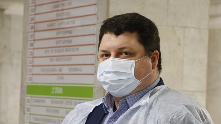 Глава Минздрава Архангельской области опроверг свои слова о нехватке медиков для борьбы с COVID-19