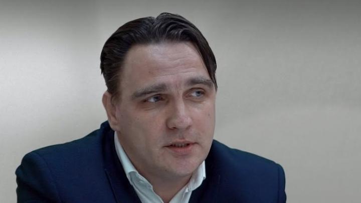 Друг обвиняемого в интимной переписке со школьницами Юрия Гнедышева создал петицию в его поддержку