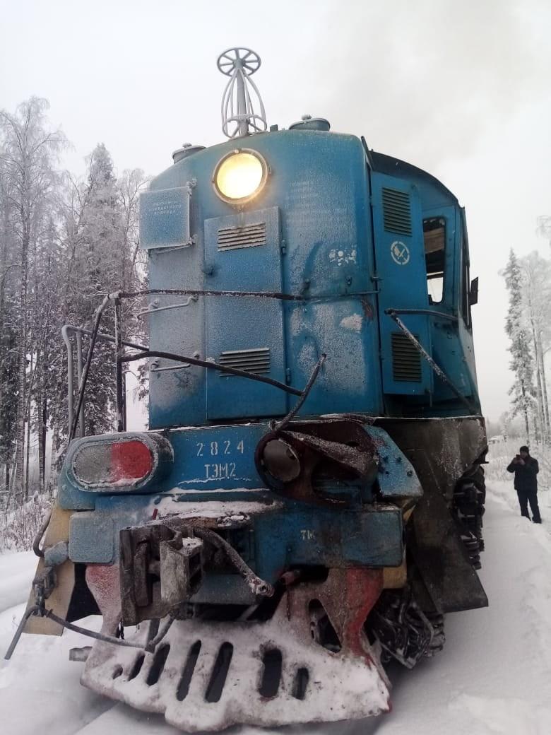 В ДТП у этого товарного поезда сошли пять вагонов
