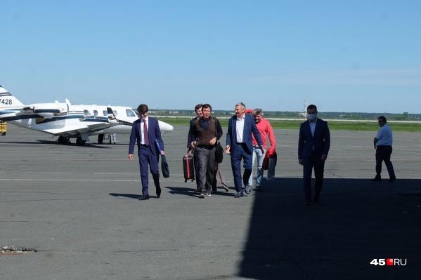 Самолет Сергея Абрамова прилетел в Курган сегодня утром