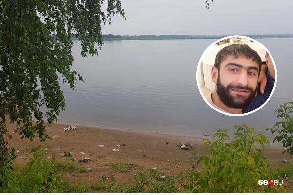 Армен Кочарян (фото в кружке) вытащил девочку, тонувшую на этом берегу