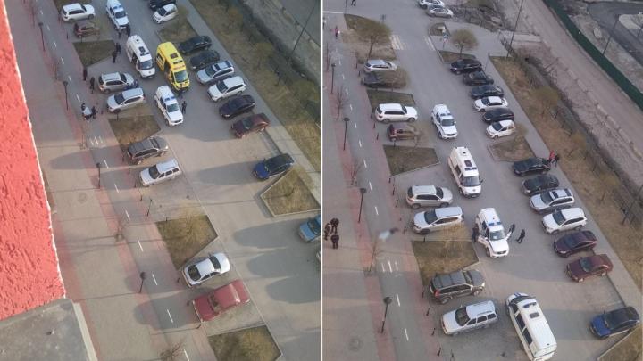 В Тюмени из окна многоэтажки на улице Газовиков выпал 19-летний парень
