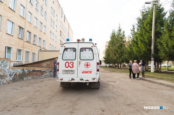 Всего в Омской области 97 заболевших, 24 человека выздоровели, трое умерли