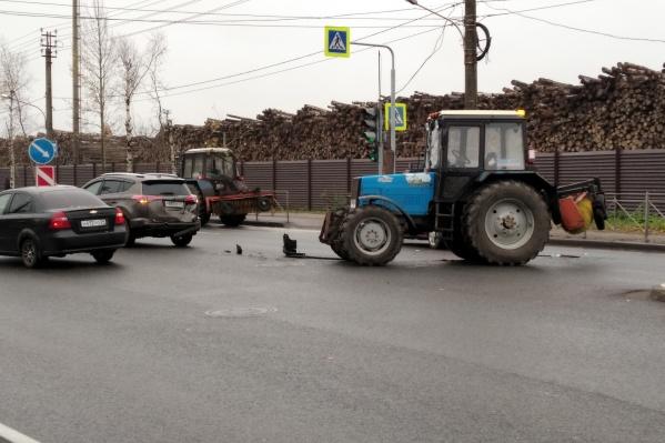 По словам читателя 29.RU, пробка длиной примерно в 800 метров образовалась в сторону Краснофлотского моста