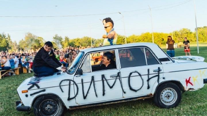 «Двенашка» Фадиной и «Москвич» Шкуренко: узнаём, на каких авто начинали ездить омские VIPы
