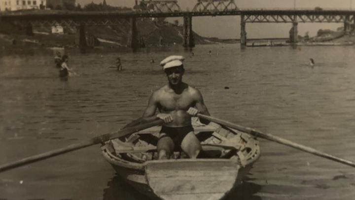 Красивые и сексуальные: рассматриваем снимки тюменских мужчин из прошлого