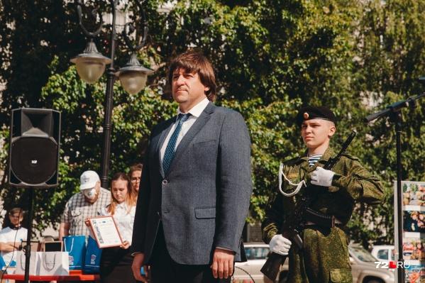 До переезда в Тобольск Максим Афанасьев занимал должность замглавы Тюмени