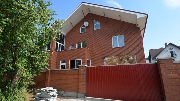 «Люди готовы платить по 150 тысяч в месяц за таунхаусы»: как COVID-19 изменил рынок загородной недвижимости