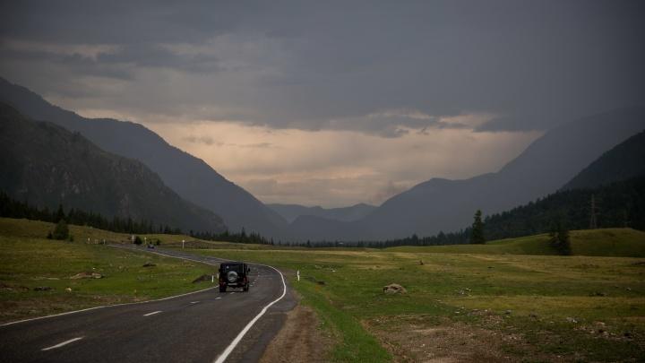 В Республике Алтай решили сажать всех приезжих на 2-недельный карантин — а туристов в обсерватор