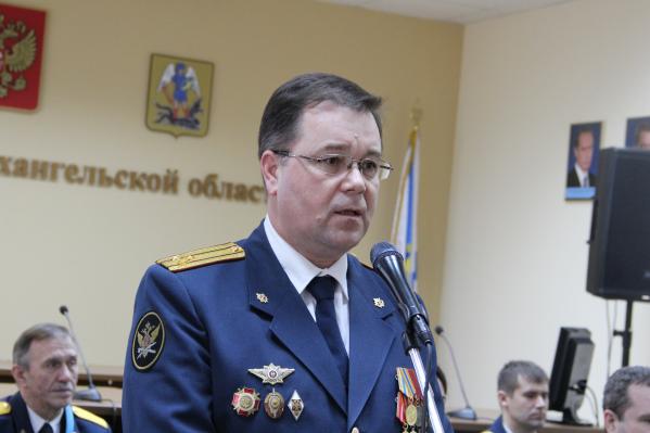 По информации источников 29.RU, в получении взятки обвиняют бывшего замначальника областного УФСИН Сергея Остапюка
