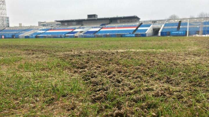 Матч пришлось отменять: состояние поля на ярославском «Шиннике» показали в Twitter