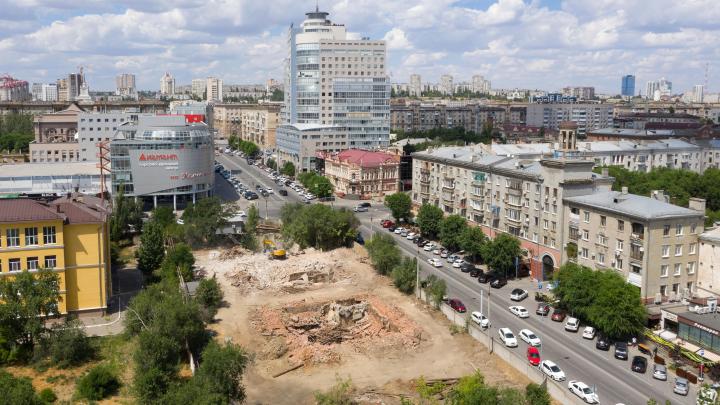 «Готовят к продаже»: бывший вице-мэр выкупил и снёс строения водоканала в центре Волгограда