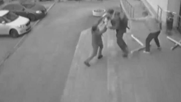 «Я дважды представлялся»: публикуем отчет полицейского, который дрался с похитителем обоев