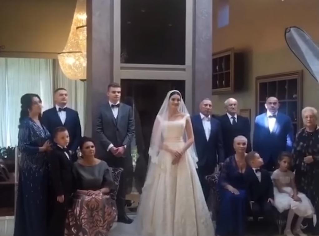 Фотографа, снимавшего свадьбу, пригласили из Москвы