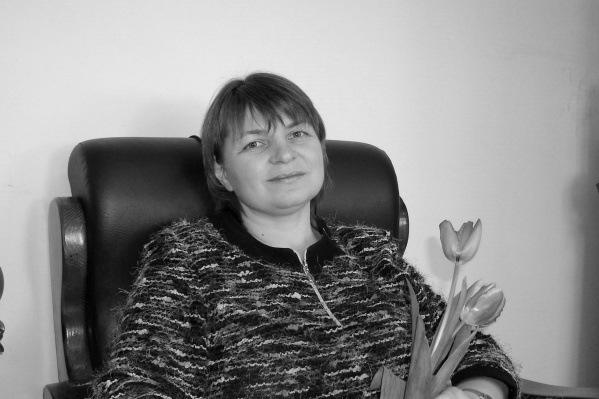 Александра Юрьевна работала редактором корпоративных изданий областной службы занятости, медуниверситета, «Пятого театра» и «Театра юного зрителя»