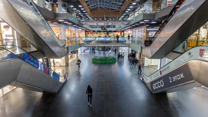 Торгово-развлекательные центры пусты: фоторепортаж о том, как Волгоград переживает пандемию коронавируса