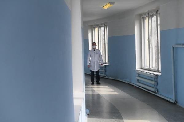 Все заразившиеся находятся в инфекционных больницах