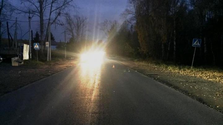 Водитель сбил молодого человека на Полетной и скрылся с места аварии