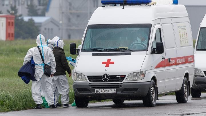 «Доставлен сразу в больницу»: у прилетевшего из Якутии вахтовика поднялась температура