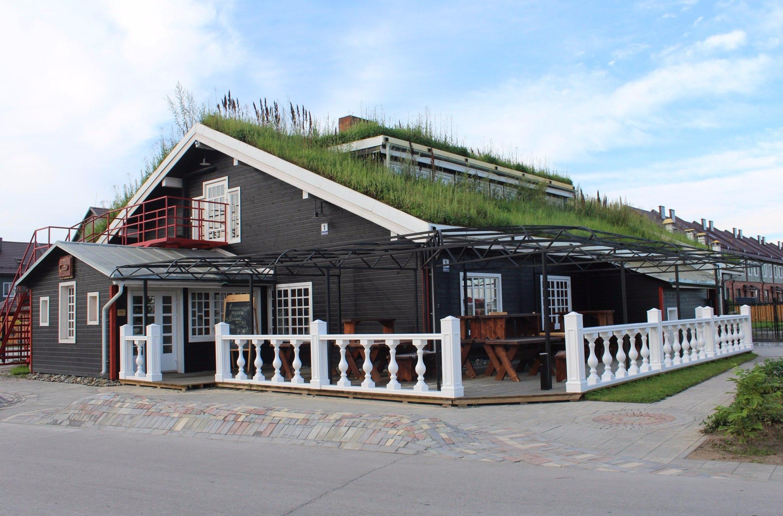 В здании с экокрышей в посёлке «Пригородный простор» открыли ресторан