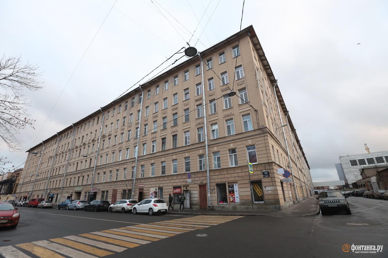 Здание на углу Косой и Кожевенной линий