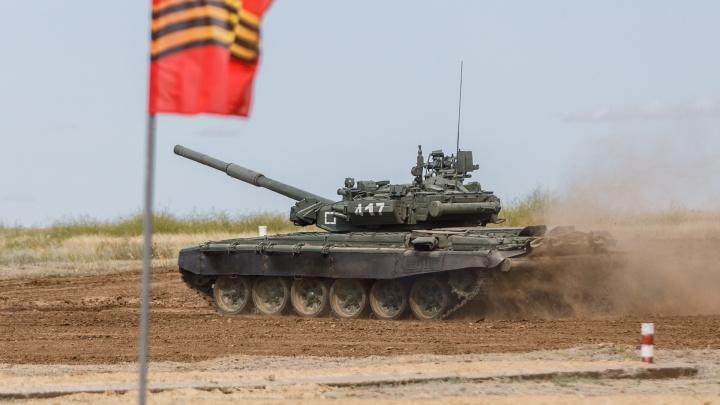 Прыжок с метрового трамплина: зрители увидят «летающий танк» на военном форуме «Армия-2020» под Волгоградом